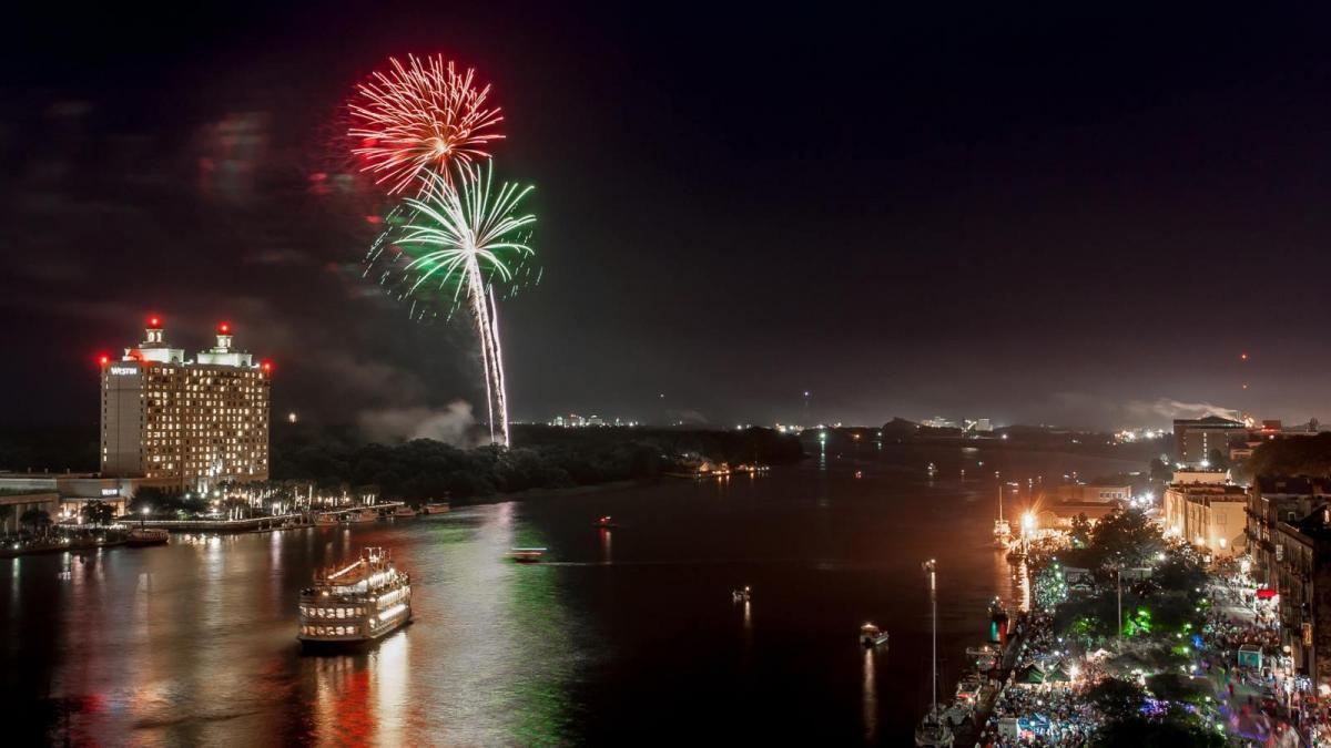 Vics Savannah Christmas 2020 8 Ways to Celebrate New Year's Eve in Savannah | Visit Savannah