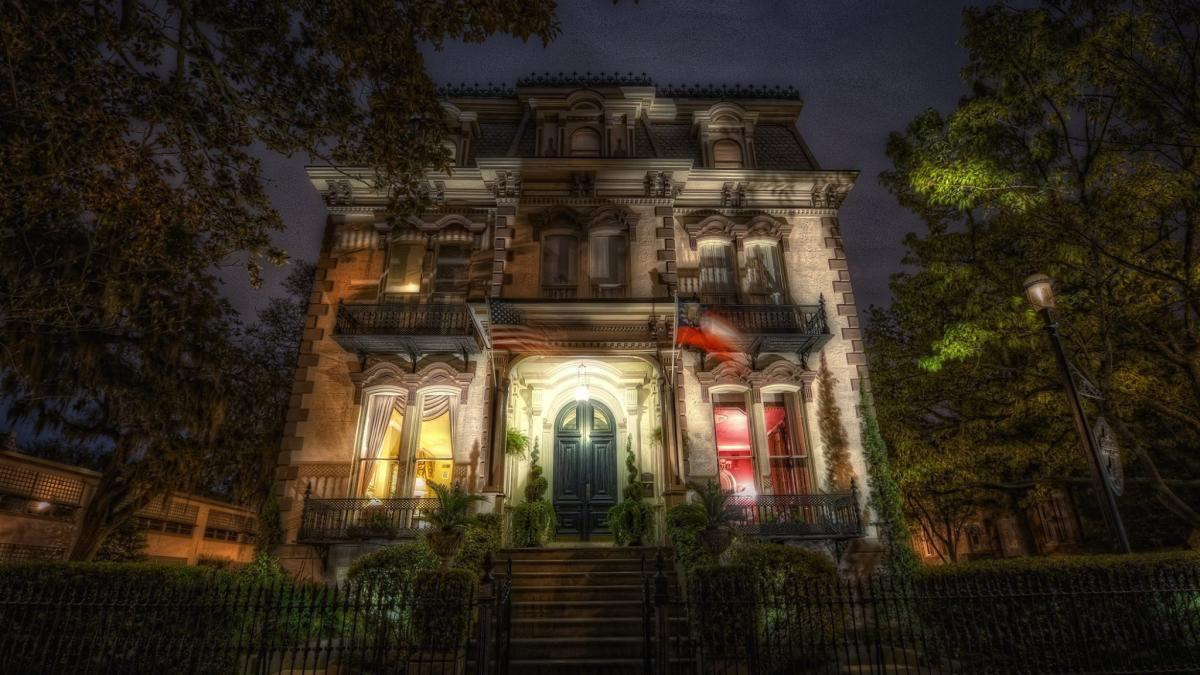 The 6 Most Haunted Places in Savannah That You Can Actually