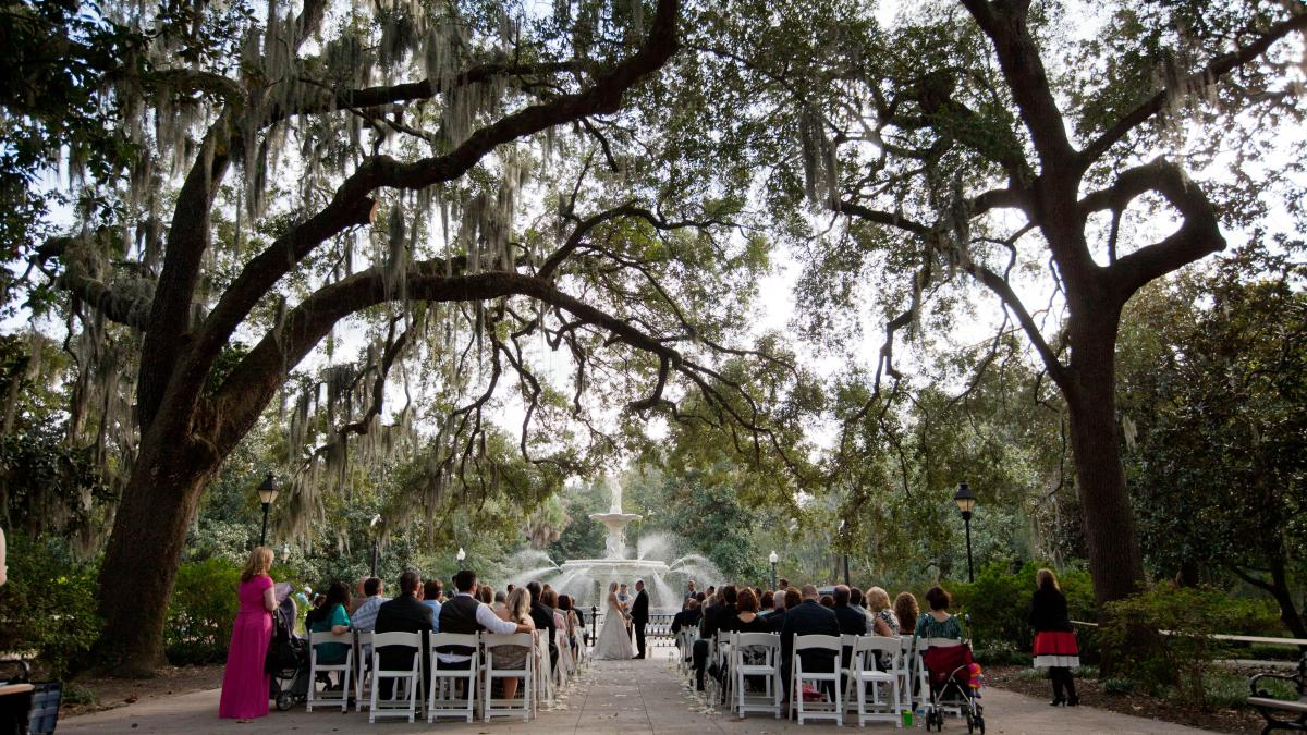 How do you meet the requirements to get a marriage license in Savannah, Georgia?