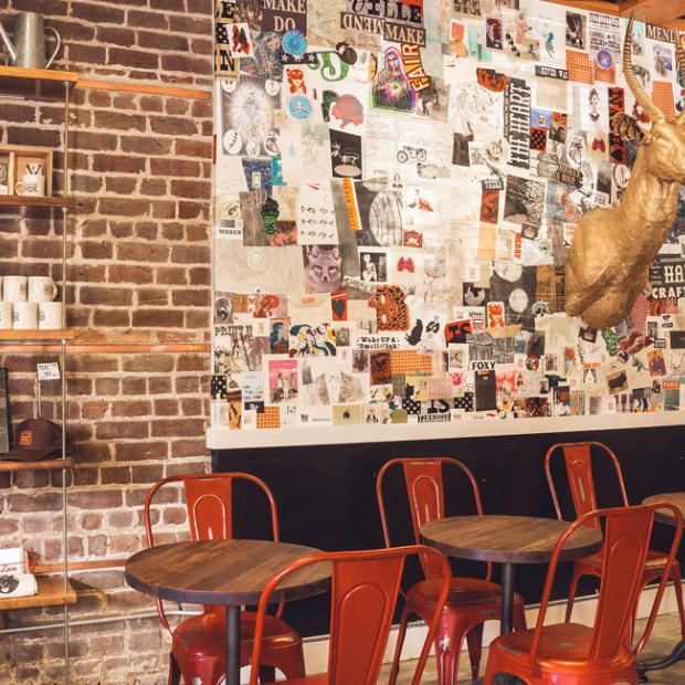 5 savannah cafés with window seats just waiting for you visit savannah