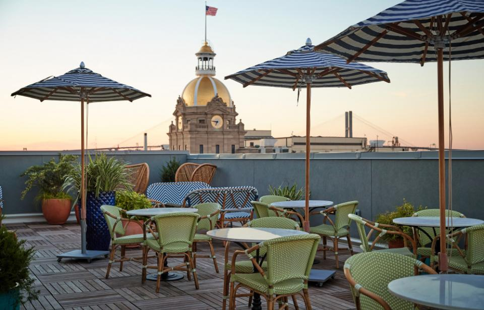 The Drayton Hotel Rooftop - Views of City Hall, Savannah River, and Historic District