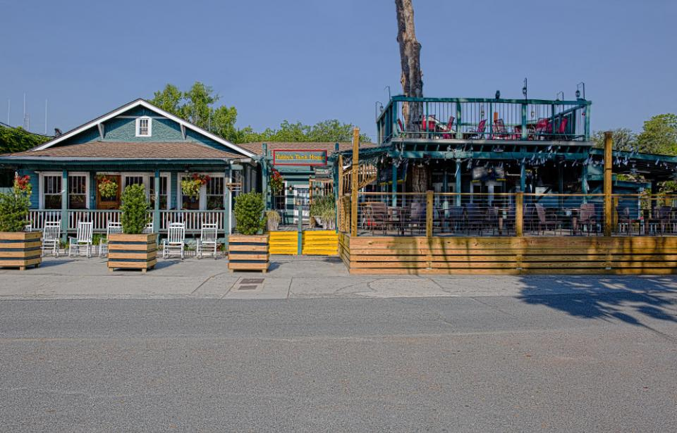 Front View of Tubbys - Grab a seat on our newly expanded front porch!