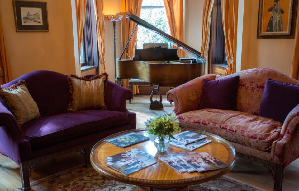 The Kehoe House - The Parlor is perfect for enjoying a glass of wine and relaxing.