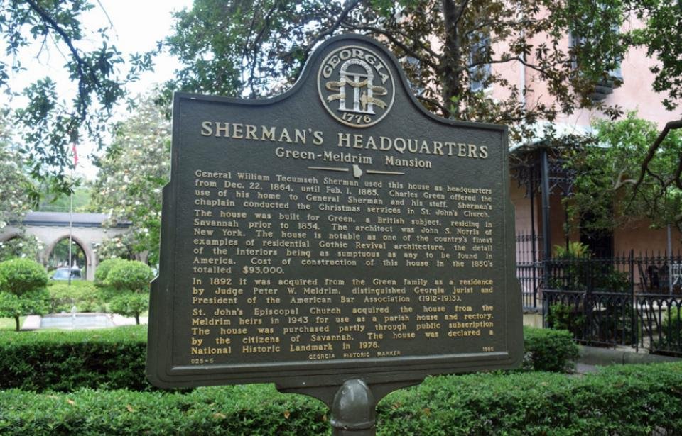 Historic Marker in front of the Green-Meldrim House