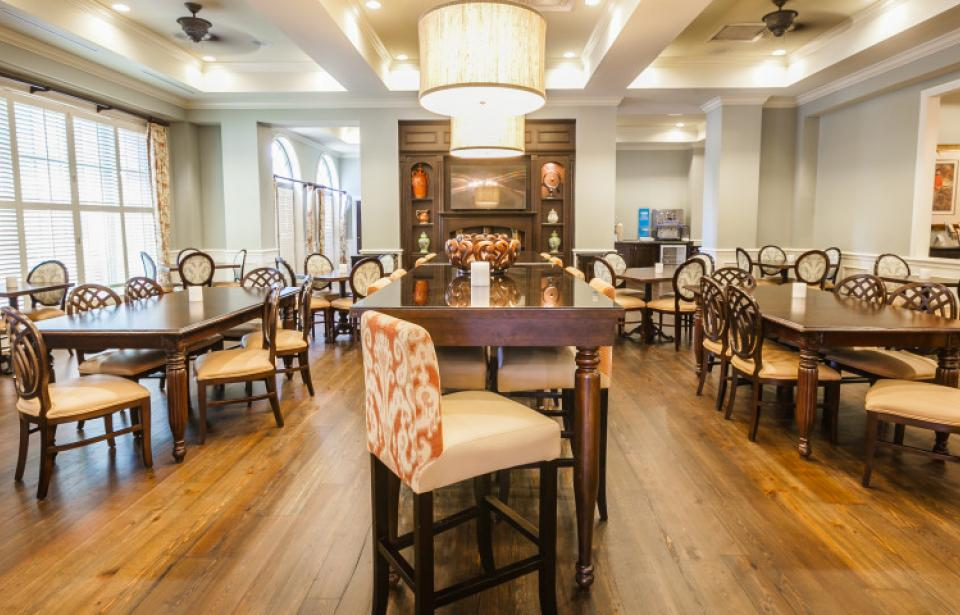Breakfast and Social Area - Enjoy our hot Hampton breakfast in the morning and in the afternoon sit and enjoy a card game with the family!