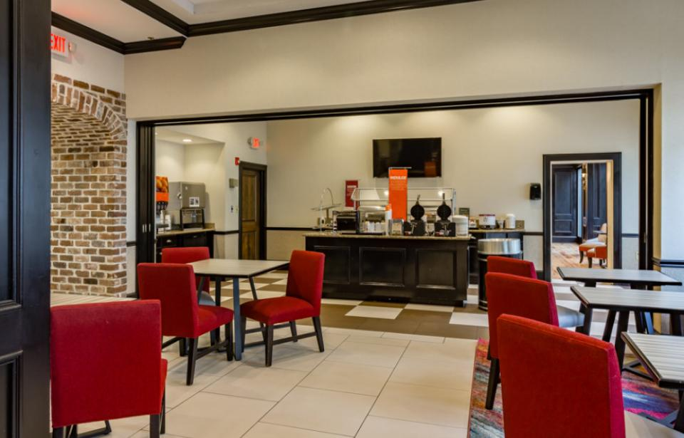 Hampton Inn Breakfast Area