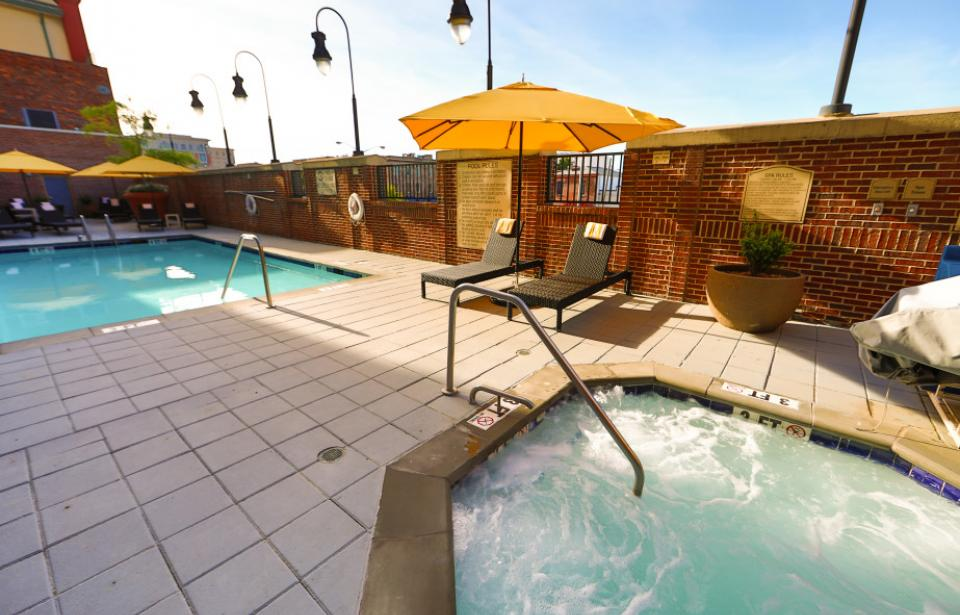 Hilton Garden Inn Savannah Historic District - Hot Tub & Pool