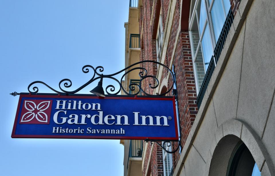 Hilton Garden Inn Savannah Historic District - Sign