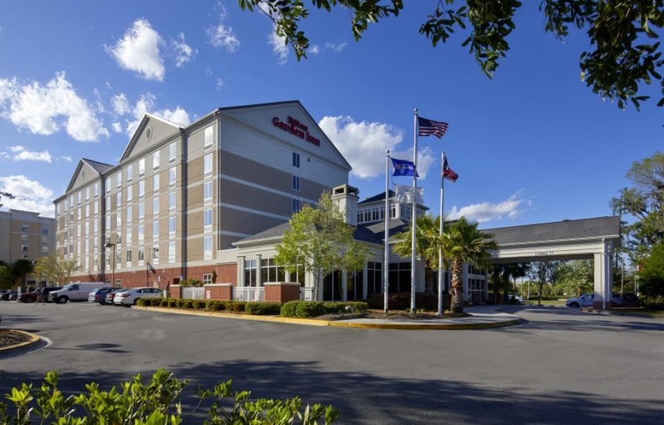 Hotel Exterior - With over 100 stores, 100 restaurants and two shopping malls within a three-mile radius, the Hilton Garden Inn Savannah Midtown is your premiere choice when visiting Savannah.