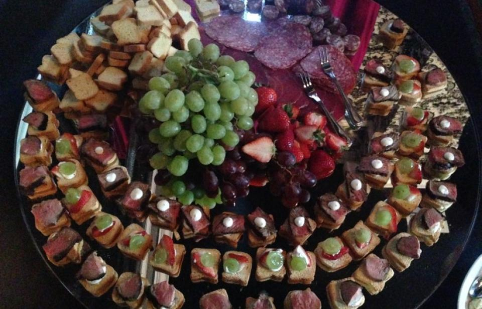 Reception - Mirrored Canape Display