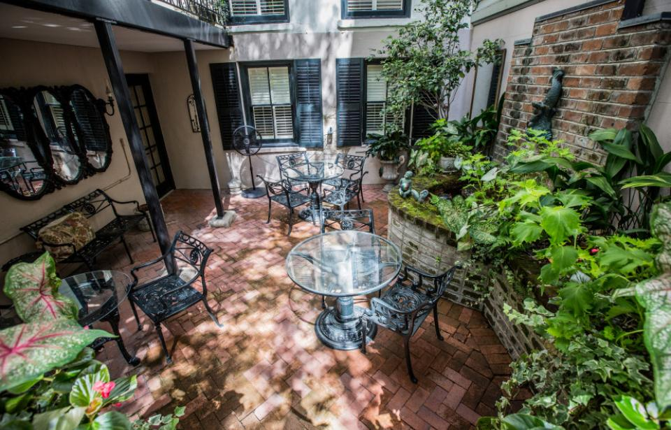 Relax in Ballastone's tranquil courtyard