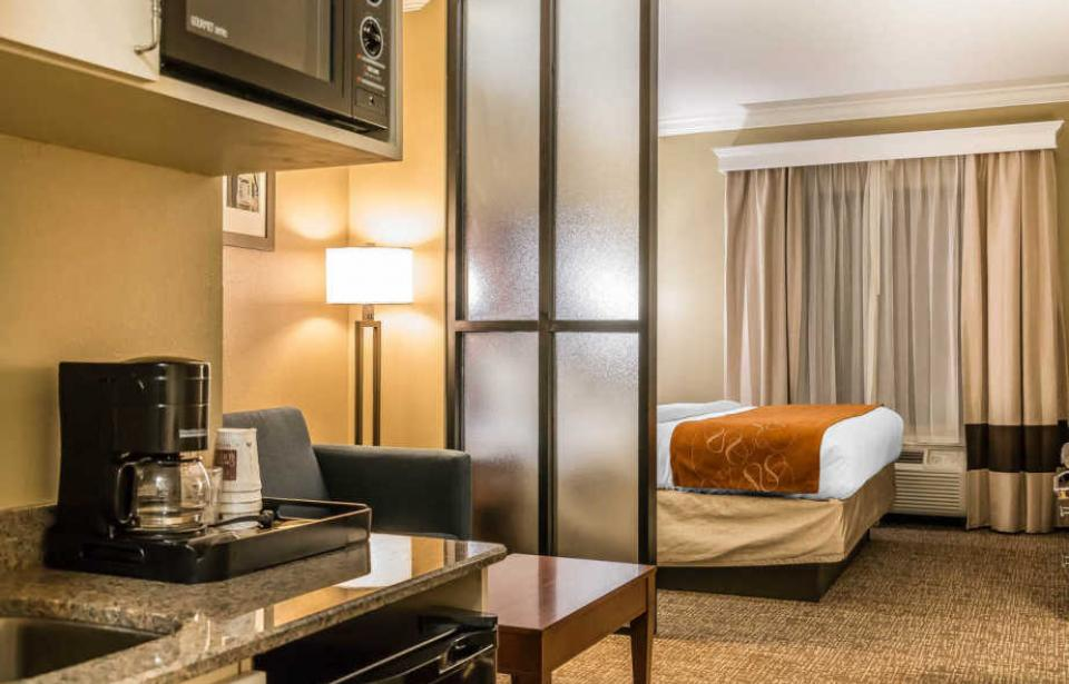 King Suites - Our spacious King Suites offer that extra space needed for todays savvy travelers.