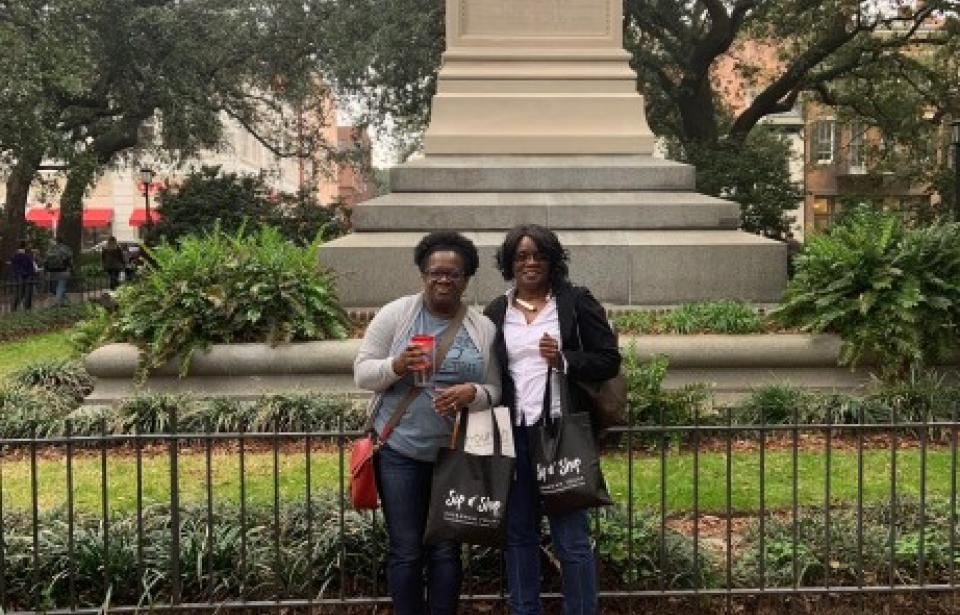 Sip n' Shop Savannah Tours - Sisters doing a little local shopping.