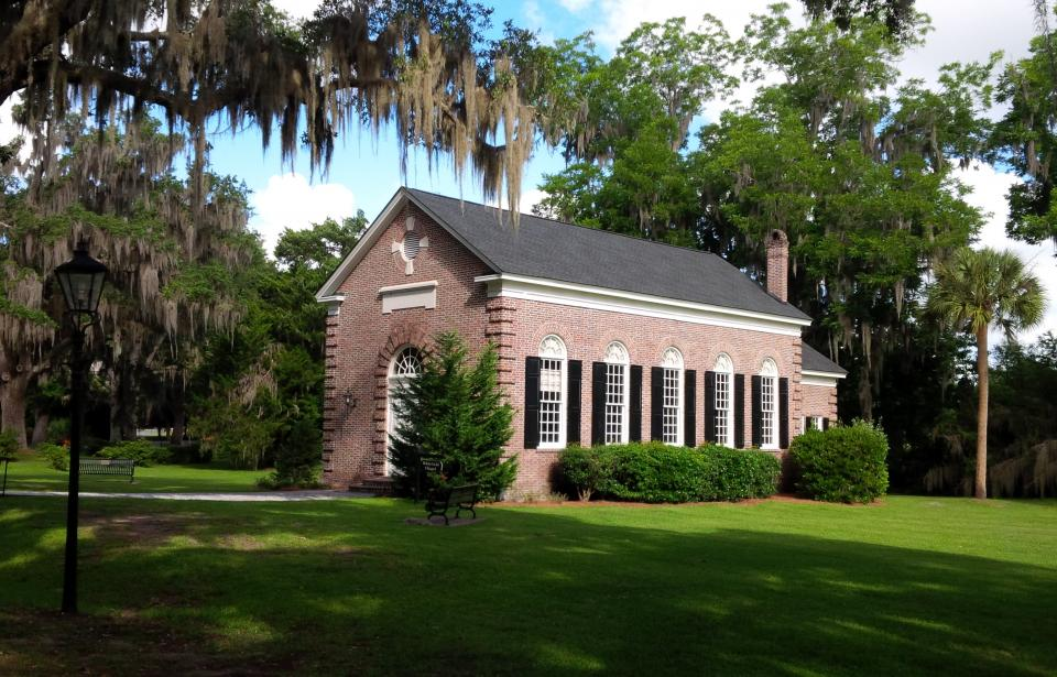 Beautiful historic places to get married in savannah for Pretty places to get married