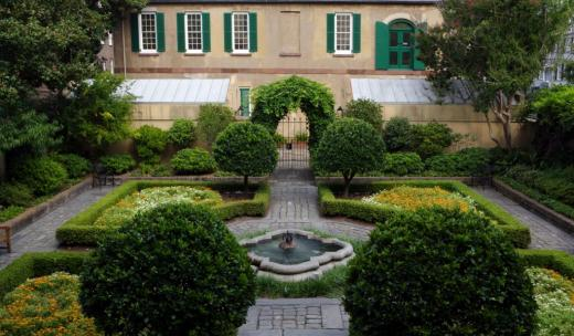 The courtyard the Owens-Thomas House & Slave Quarters.