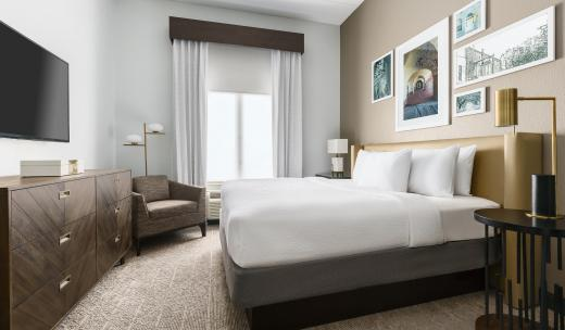 the bluff hotel guest room